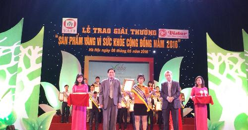 nhat-sac-nhan-giai-san-phm-vang-vi-suc-khoe-cong-dong