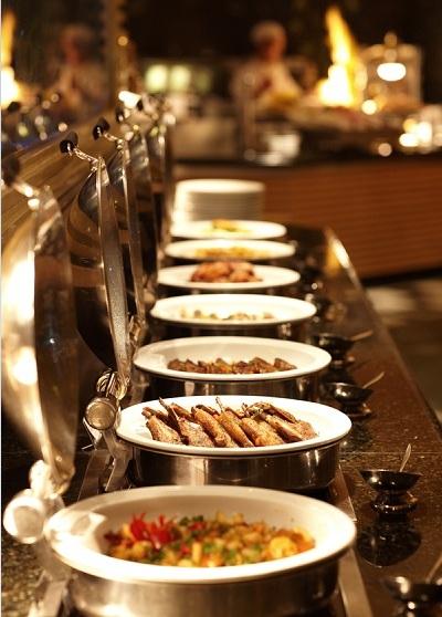 buffet-trua-dang-cap-gia-739000-dong-cho-hai-nguoi