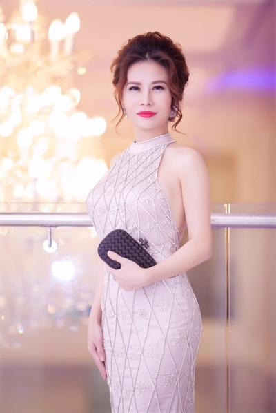 lan-phuong-ngoi-ghe-nong-chung-ket-duyen-dang-doanh-nhan-viet-1