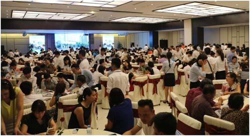 Sự kiện thu hút hơn 600 khách hàng tham gia với gần 100 giao dịch thành công.