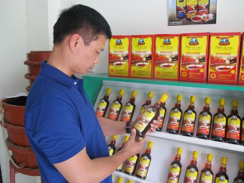 hang-made-in-thailand-doi-lot-nuoc-mam-phu-quoc-mi-goi-viet