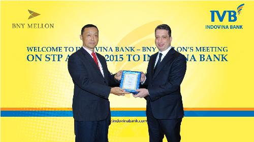 indovina-bank-nhan-giai-ve-thanh-toan-quoc-te-nam-2015