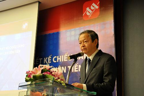 Ông Lê Văn Khoa  PCT UBND Tp. Hồ Chí Minh phát biểu tại sự kiện ra ra mắt phần LightCheck tư vấn thiết kế chiếu sáng và tiếp tục đầu tư dây chuyền dán chip LED theo công nghệ Nhật Bản của Điện Quang