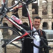 Buổi đạp xe với tỷ phú đã thay đổi đời tôi