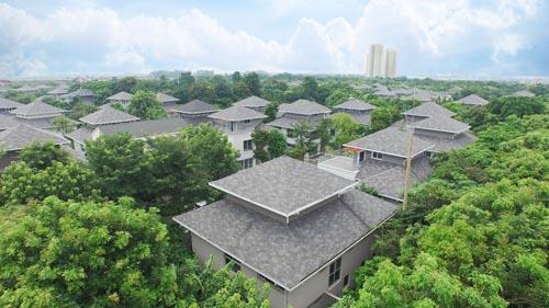 Ecopark là dự án bất động sản Việt Nam đầu tiên và duy nhất thành công tại Giải thưởng Bất động sản quốc tế 2015 (International Property Awards với cùng lúc 3 giải: Giải thiết kế cảnh quan khu đô thị tốt nhất thế giới; Giải thiết kế cảnh quan khu đô thị tốt nhất châu Á - Thái Bình Dương và Giải khu đô thị phức hợp tốt nhất châu Á - Thái Bình Dương.