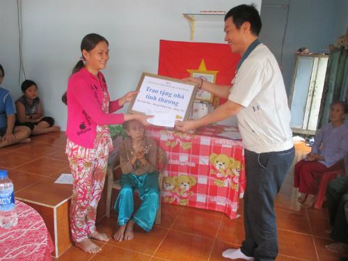 Trao nhà tình thương tại xã Vinh Tân, Vĩnh Cửu, Đồng Nai.
