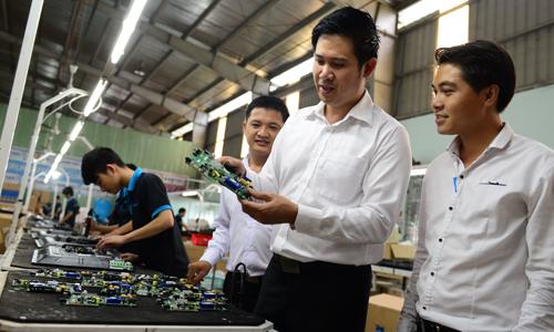 'Đế chế' tivi Việt của doanh nhân 8x