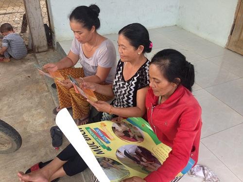 Người hưởng lợi tìm hiểu thông tin về dự án.