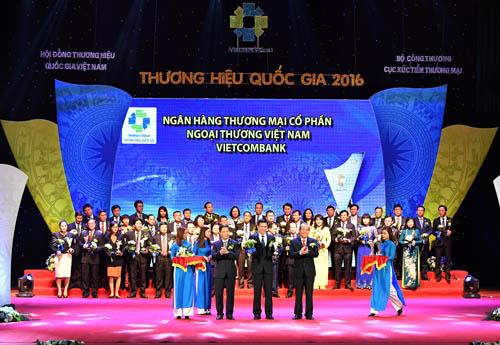vietcombank-dat-giai-thuong-hieu-quoc-gia-2016