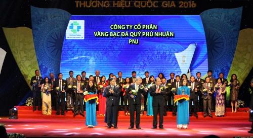 muon-xay-dung-thuong-hieu-quoc-gia-phai-xay-tu-gia-tri-doanh-nghiep-xin-edit