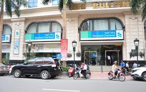 Các vị trí tuyển dụng tại Standard Chartered Việt Nam có tại website: https://www.sc.com/careers (chọn Search for a role -> Locations -> SCB Vietnam -> Search)