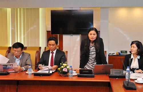 Bà Đinh Thị Thái - Phó Tổng giám đốc, Trưởng ban Triển khai dự án phát biểu tại Hội thảo