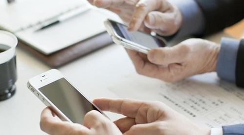 Tin nhắn và những cuộc gọi chào mời bất động sản từ những số lạ thường khiến khách hàng khó chịu.