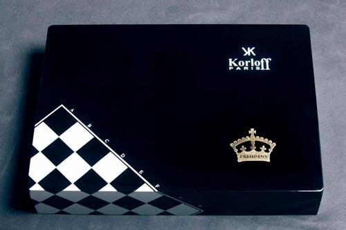 Bút Voyageur Président là sản phẩm của hãng Korloff - thương hiệu kim cương, trang sức, đồng hồ và phụ kiện nổi tiếng tại Pháp.