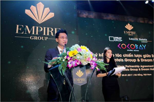 Đại diện Empire Group phát biểu tại buổi lễ.