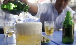 Hãng bia ngoại đặt cược vào 'bàn nhậu' của người Việt