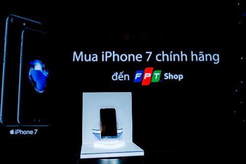 iphone-7-giam-10-tiet-kiem-den-2-4-trieu-dong-tai-fpt-shop-1