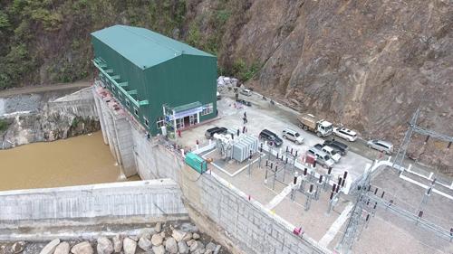 Việc hòa vào lưới điện quốc gia của thủy điện Khao Mang Hạ góp phần thay đổi cuộc sống của người dân địa phương.