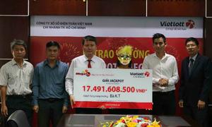 Người phụ nữ ở Tây Ninh nhận giải xổ số hơn 17 tỷ đồng