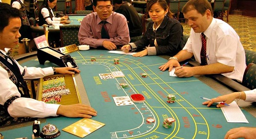 casino-gap-kho-truoc-ngay-mo-cua-cho-nguoi-viet