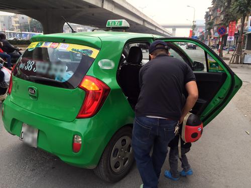 taxi-truyen-thong-va-uber-grab-dua-che-khach-ngay-tet