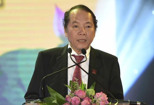 hoa-sen-khoi-cong-nha-may-ong-thep-hon-1000-ty-dong-tai-yen-bai-1