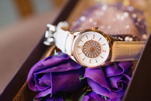 Galle Watch là đơn vị phân phối sản phẩm đồng hồ hàng hiệu với kinh nghiệm hơn 13 năm tại thị trường trong nước với hệ thống 32 cửa hàng rộng khắp từ Nam ra Bắc.