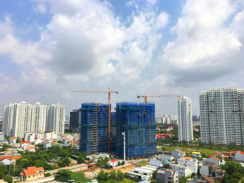 Hưng Phát Silver Star tọa lạc ngay trung tâm Nam Sài Sòn phát triển sầm uất.