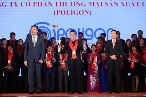 ong-nhua-poligon-lan-thu-hai-nhan-giai-thuong-hieu-manh-1