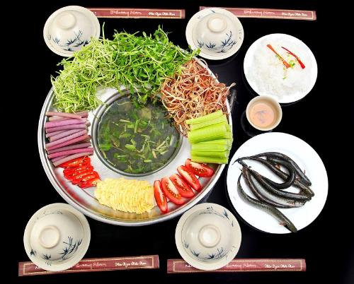uu-dai-mon-nam-bo-tai-nha-hang-phuong-nam