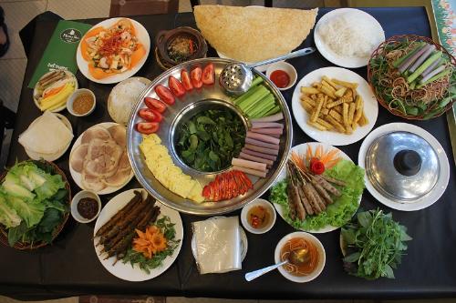 uu-dai-mon-nam-bo-tai-nha-hang-phuong-nam-2