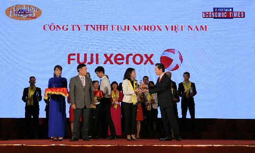 Fuji Xerox Việt Nam (FXV) nhận giải Rồng Vàng do ban biên tập Thời báo Kinh tế Việt Nam tổ chức.