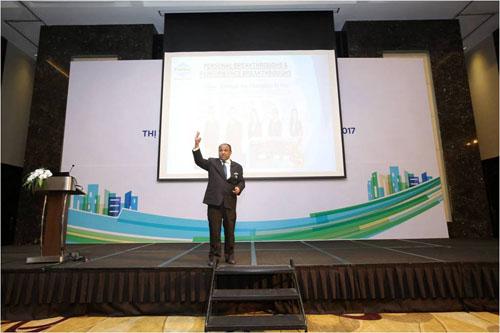 Ông Ismail Gafoor tham gia giao lưu với các khách mời tại Hội thảo thường niên Thị trường Bất động sản Việt Nam 2016  2017 do batdongsan.com.vn tổ chức tại khách sạn JW Marriot, tháng 12/2016