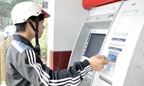 ATM 'nhả' thiếu tiền, khách hàng cần làm gì?