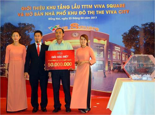 hang-tram-khach-hang-quan-tam-cac-san-phm-tai-viva-square-the-viva-city-2