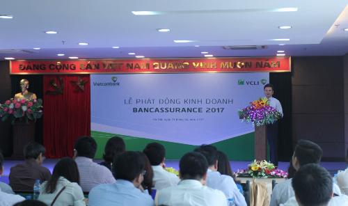 vcli-cung-vietcombank-dy-manh-hoat-dong-kinh-doanh-bancassurance