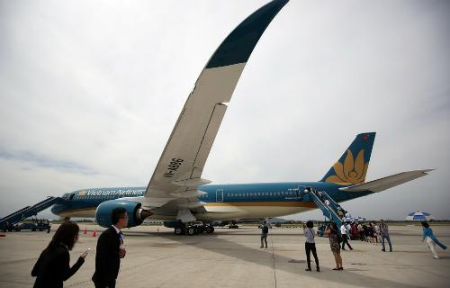 xang-dau-ty-gia-khien-vietnam-airlines-giam-lai