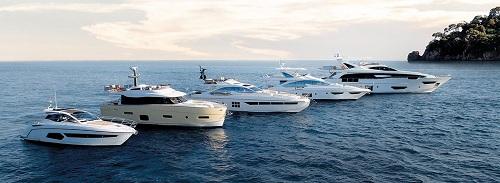 Bộ sưu tập 5 du thuyền của Azimut, (từ trái qua phải) : Atlantis - Magellano - S collection - Flybridge - Grande.