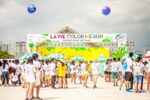 mua-he-soi-dong-tai-la-vie-color-me-run