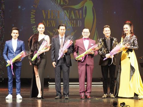 sao-viet-ngoi-ghe-nong-tai-chung-ket-hoa-hau-viet-nam-the-gioi-2017-1