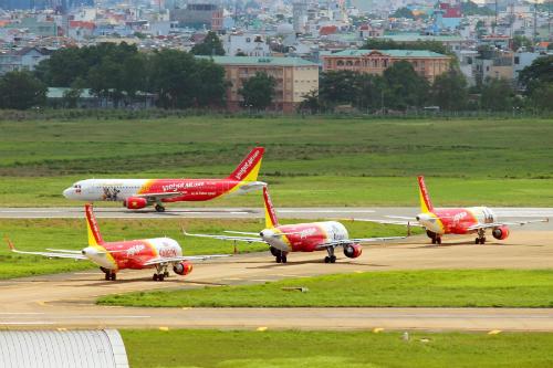 Vietjet vận hành theo mô hình hàng không thế hệ mới, chi phí thấp và cung cấp đa dạng các dịch vụ cho khách hàng lựa chọn.