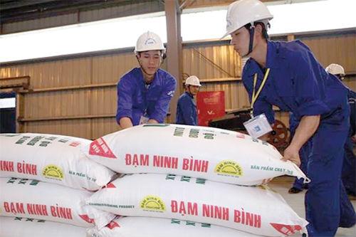 bo-chinh-tri-yeu-cau-xu-ly-sai-pham-tai-12-du-an-thua-lo-nganh-cong-thuong