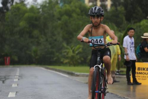 Ngoài ra còn có nội dung Spinter (bơi 500m, đạp xe 20km và chạy bộ 5km)