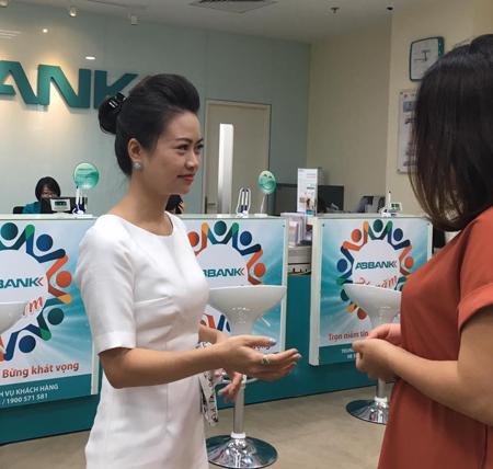 Bà Nguyễn Quỳnh Nga - Phó giám đốc Khối SME ABBank.