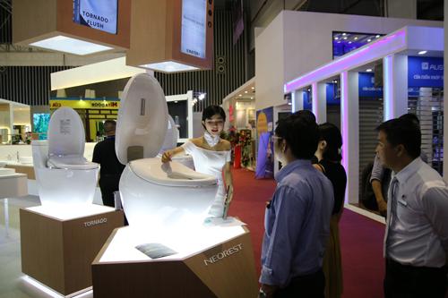 Những sản phẩm công nghệ mới gắn với môi trường của TOTO Việt Nam cũng được trưng bày tại triển lãm