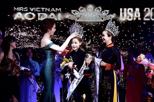 hoa-hau-vivian-van-tuyen-sinh-miss-mrs-vietnam-ao-dai-tai-my-5