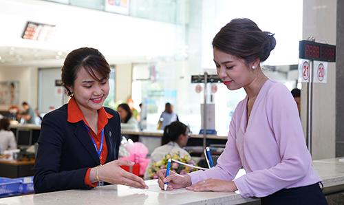 Mọi thông tin chi tiết, khách hàng vui lòng truy cập:      Website: www.sacombank.com.vn;     Trung tâm Dịch vụ khách hàng Sacombank 24/7 theo số điện thoại: 1900 5555 88;     Email: ask@sacombank.com.
