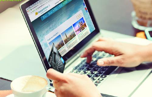 Chương trình có Điều kiện và Điều khoản kèm theo, để biết thêm chi tiết, quý khách có thể tham khảo tại website www.vietnamairlines.com; www.vietcombank.com.vn hoặc liên hệ Tổng đài 1900 1100 của Vietnam Airlines và Trung tâm DVKH 1900545413 của Vietcombank./.