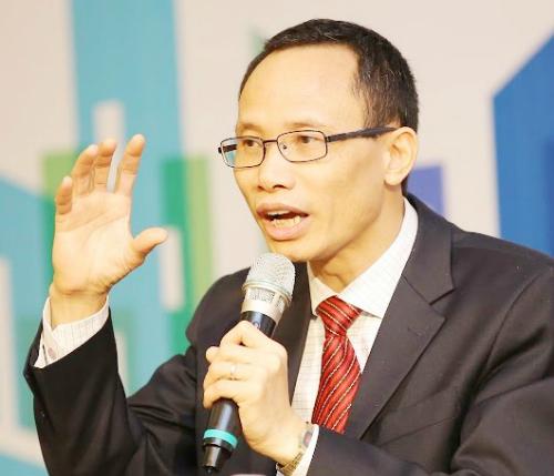 Ông Cấn Văn Lực  chuyên gia Ngân hàng, Phó Tổng giám đốc Ngân hàng BIDV.