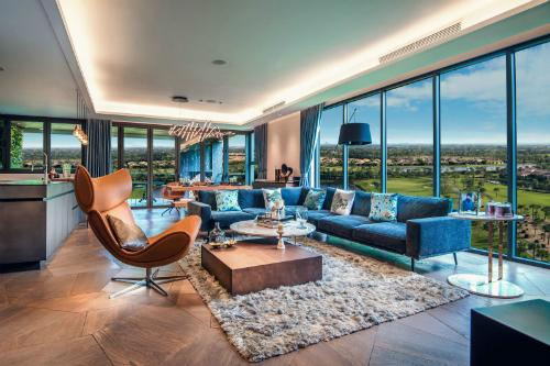 Đây cũng là lần đầu tiên Ecopark ra mắt The Collection -  bộ sưu tập các căn hộ đặc biệt gồm penthouse và các căn góc có diện tích 150 -200m2 trên tầng cao.